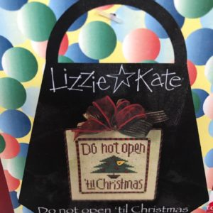 Lizzie Kate Do Not Open 'til Christmas Pocketbook Complete Kit